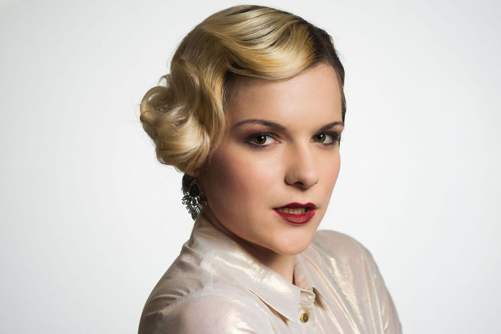 Classy inspired bridal hairstyle
