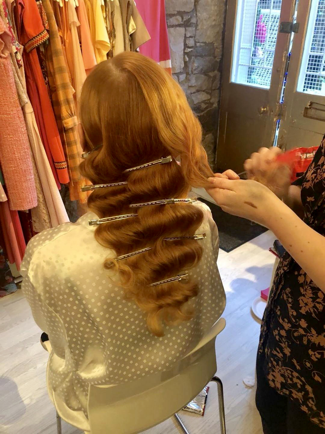 Crimping hair at the back of head